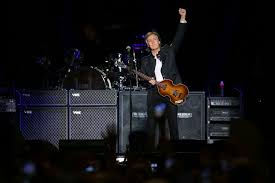 On The Charts Paul Mccartney Returns To Number One After 36 Years