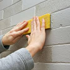 painting fireplace brick sponging paint on a brick face painting my brick fireplace white
