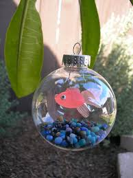 New ~ Christmas tree fish tank ornament! The kids are going to love making  these for the Christmas tree. Awesome DIY craft using the clear ornament  balls.