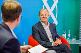 Olaf scholz is a german politician serving as federal minister of finance and vice chancellor under chancellor angela merkel since 14 march. Re Live Spd Kanzlerkandidat Olaf Scholz Beantwortet Die Fragen Unserer Leser