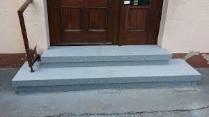Ich achte am hauseingang auf einen stufenlosen zugang. Naturstein Stufen Fur Alte Treppen Bauhandwerk