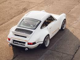 Porsche 911 by singer project collaboration. Singer S Latest Porsche 911 Recreation Is A Sexy Williams Lightweight Roadshow