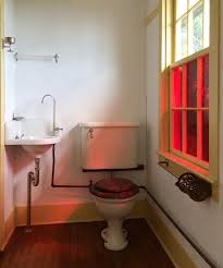 Object Lessons: The Old-Fashioned Loo - Remodelista
