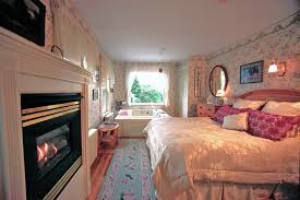 carroll s room it has great views and 2 person jacuzzi with fireplace