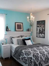 turquoise dorm room with a touch of