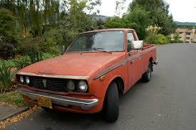 OLD PARKED CARS.: 1977 Toyota Hilux SR5.
