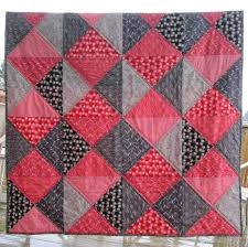 Inspired by Fabric: Tutorial: Two-Color Quilt & Tutorial: Two-Color Quilt Adamdwight.com