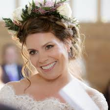 braideb bridal hairstyle flower crown smoky makeup amber