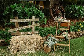 Image Rustic Flower Country Hay Bale Wedding Decor Deer Pearl Flowers 25 Amazing Rustic Outdoor Wedding Ideas From Pinterest Deer Pearl