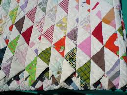 File:Quilt with triangle pattern.jpg - Wikimedia Commons & File:Quilt with triangle pattern.jpg Adamdwight.com