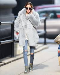 olivia palermo wearing a grey fur coat 02