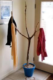 Diy Tree Coat Rack 100 DIY Branch Coat Rack That You Can Make on Weekend Coat racks 25