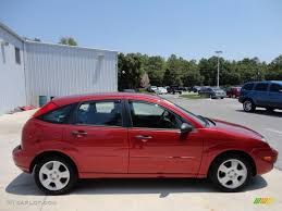 Sangria Red Metallic 2005 Ford Focus ZX5 SES Hatchback Exterior ...
