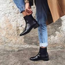Whether for a winery weekend of a casual dinner, they're the ultimate shoe when it comes to style and versatility. How To Wear Chelsea Boots For Women Best Style Guide Fmag Com