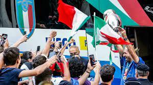كأس أوروبا: المنتخب الايطالي المتوج يعود إلى روما - فرانس 24