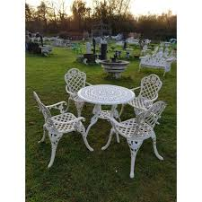1 cast iron garden set table and