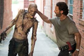 Andrew Lincoln Has Never Seen The Walking Dead Which Explains a.