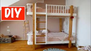 Wir bieten einzigartige handgefertigte hausbettmodelle, die als babybetten, kindermöbel oder etagenbetten und. Diy Hochbett Fur Kinder Selber Bauen Mrhandwerk 2 3 Youtube