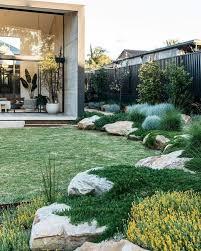 35 modern landscape design ideas for