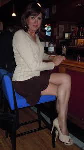 maturetrannywives Buy her a drink she s earned it. En Femme.