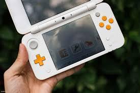 Trên tay máy chơi game cầm tay New Nintendo 2DS: sự thay thế hoàn hảo