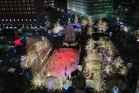 Birmingham Mi Christmas Tree Lighting Tree Lighting Ceremonies In Metro Detroit