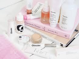 làn da luôn được ưu tiên hàng đầu nguồn stylevanity hãy cùng sheis lướt qua 1 vòng các sản phẩm đáng mua nhất của glossier để kịp bổ sung vào danh