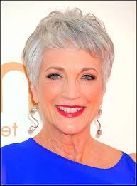 Short Grey Hair Style these 5 gray hair styles will help you look fabulous 4365 by wearticles.com