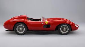 Uma ferrari clássica vale seu peso em ações da tesla, e o lendário modelo 250 gto se tornou o carro mais valioso da história: El Ferrari De 32 Millones Que Messi Ha Robado A Cristiano Autobild Es