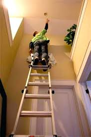 how to change light bulb in high ceiling changing light bulbs in high ceilings and changing