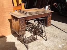 Singer treadle sewing machine 1922
