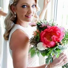 with yrs of industry experience sparkling belle s team of bridal makeup artists and wedding hair stylists span melbourne sydney perth and brisbane