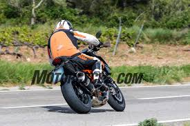 2018 ktm 1290 super duke r. brilliant 2018 the exhaust system and magical brembo m50 brake calipers appear to be  carryover items to 2018 ktm 1290 super duke r