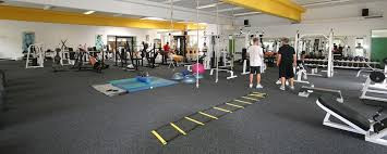 eingang badminton kegeln fitness fußball beachvolley indoor