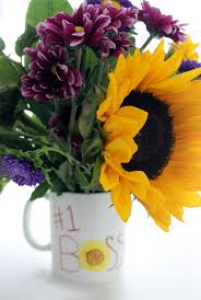 diy bosses day gift how to make a permanent marker mug bouquet