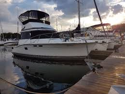 trojan yacht buy or sell used or new power boat motor boat in trojan f32 sport sedan flybridge