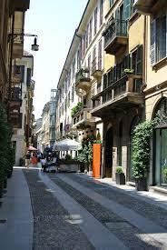 Os bairros de Milão: a história de Brera - Milão nas mãos