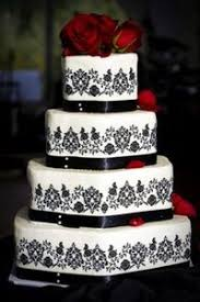 Black And White Wedding Cake Topped With Red Red Roses Lov