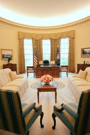 where is the oval office. The George W. Bush Presidential Library And Museum Features A Full-size Replica Of White House Oval Office Where Visitors May Sit At Resolute Desk Is D