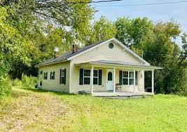 Deborah Fields has 8 listings listings for sale in Tennessee