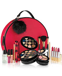 10 all in one makeup kits to streamline your beauty routine