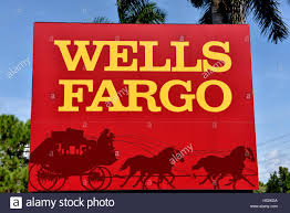 - Palm 123610602 Bank Alamy Fargo Trees In Sign Wells Photo Front Of Stock