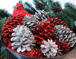 15 Beautiful Pine Cone Crafts To Make Stunning Home DecorChristmas Pine Cone Crafts