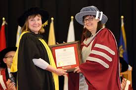 Dr. Wendy Carroll receives the Dr. Geraldine Thomas Educational Leadership  Award | SMU News and Events