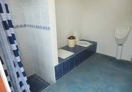 water backing up into bathtub toilet water backing up into bathtub fresh urine diverting dry toilet