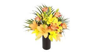 Browse these beautiful bouquets for a gorgeous centerpiece that's sure to bring a smile to any mom's face. These Cheap Mother S Day Flower Deals Can Save You Up To 40 Plus Get Free Delivery T3