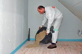 Da liegen jetzt auf kies einfache terassenplatten aus beton, ca. Niveauausgleich Fur Fussboden Bauhandwerk