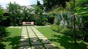 Small Picture exterior relaxing beautiful tropical garden design idea with