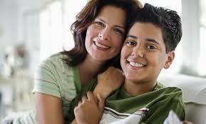 Resultado de imagen para madre e hijo adolescente