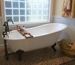 Tiny Bathroom With Clawfoot Tub Home Decorating - Clawfoot tub bathroom